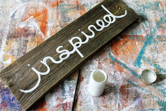 how to create a reclaimed wood sign