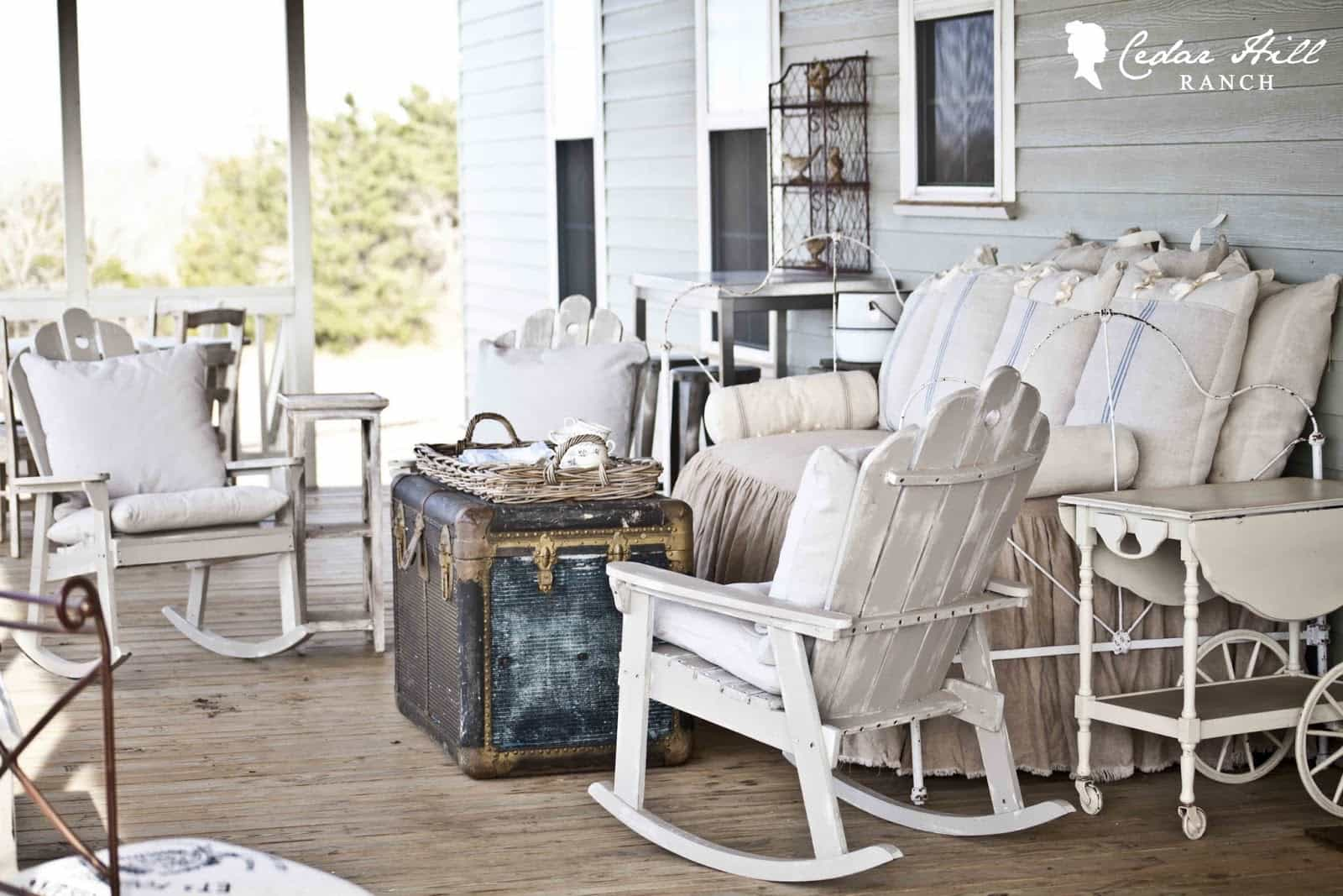 inspirational-back-porch-bed